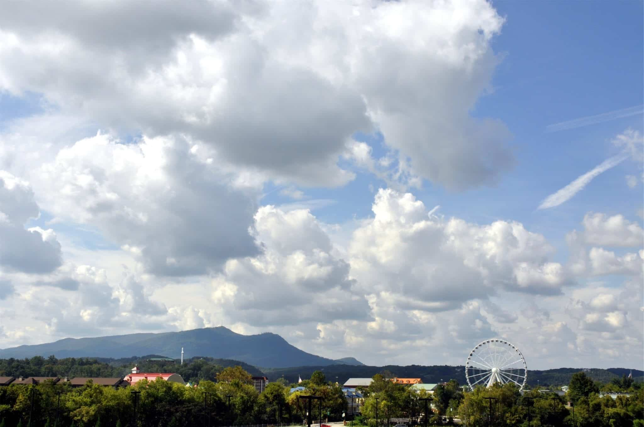 Scenic view of Pigeon Forge Parkway attractions