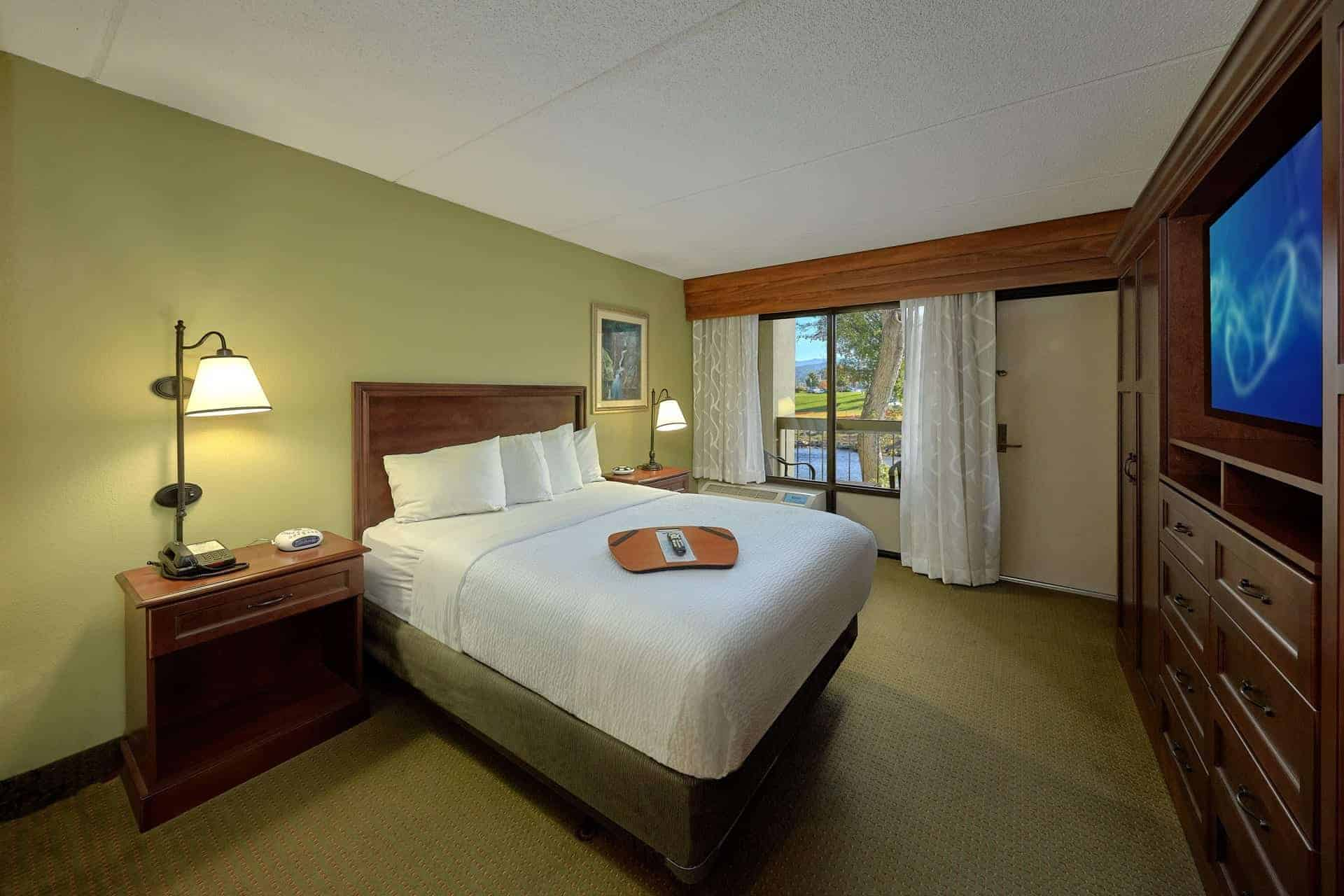 Riverside Queen Handicap Friendly Room at The Inn On The River